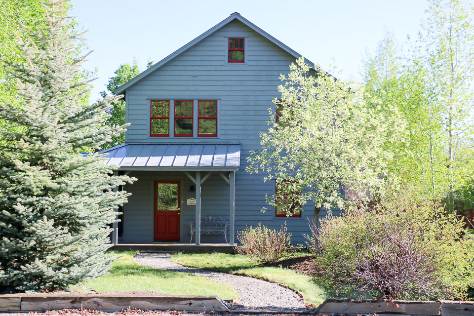 SOLD: 805 Red Lady Avenue