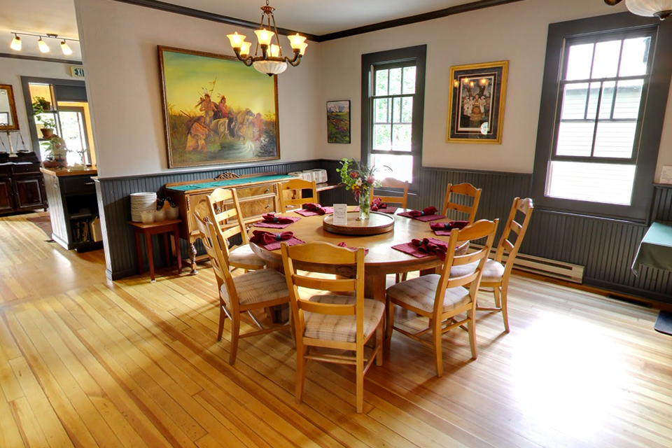 EML Dining Table